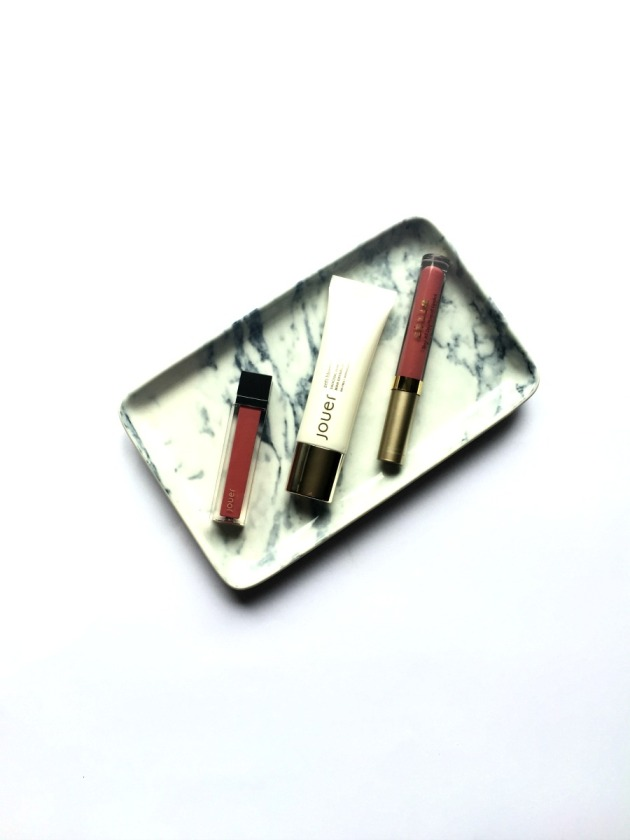 cult-beauty-stila-jouer-liquid-lipstick-patina-nude-petale-de-rose-matte-primer