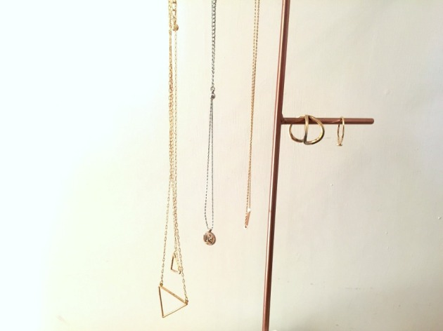 jewellery-minimal-necklaces-ring-gold-dainty-accessories-minimalistic