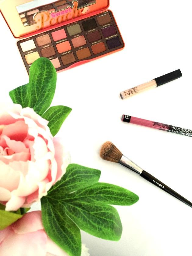 Kat Von D Liquid Lipstick, Nars Radiant Creamy Concealer, Too Faced Sweet Peach Palette, Sephora 55 Airbush Brush Collection, Review, Lovesick, Vanilla