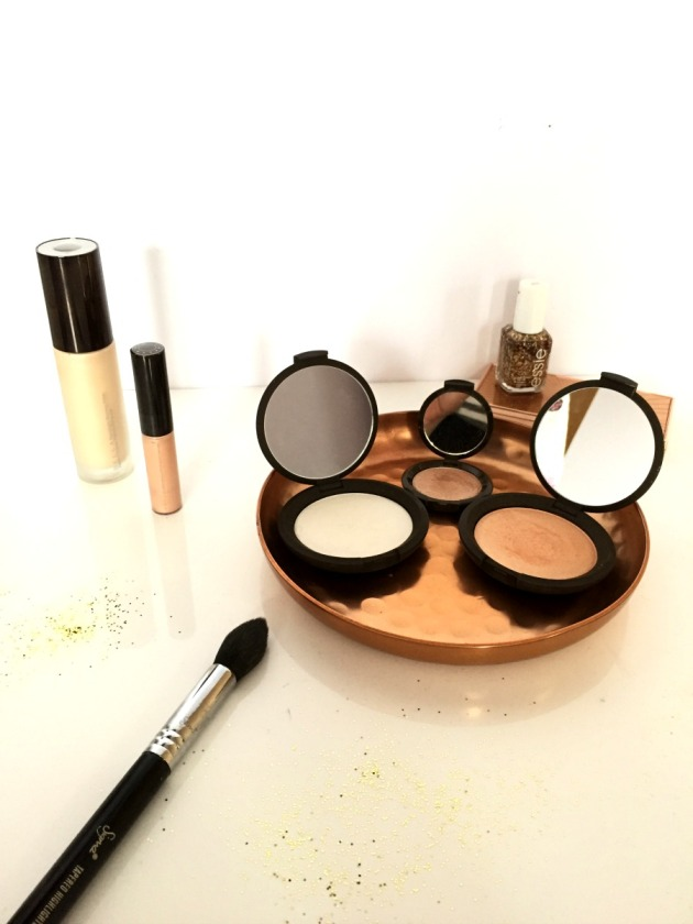 becca-highlighters-glowy-glow-highlight-skin-makeup-collection-pearl-opal-champagne pop, sigma, priming filter